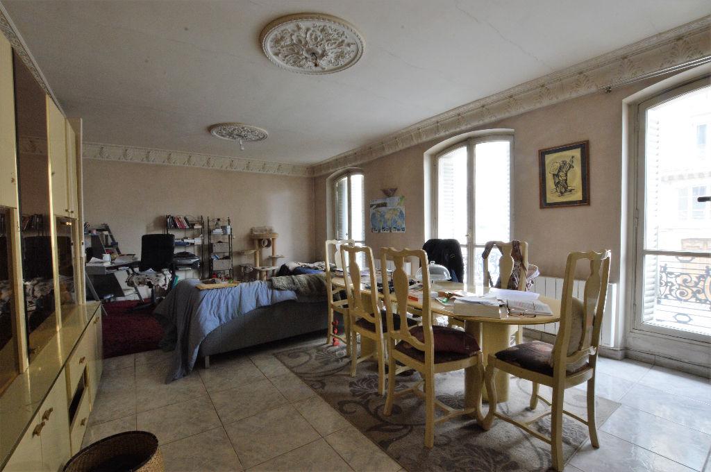 Appartement familial 3 chambres de 108 m² 75010 (ref. 576)