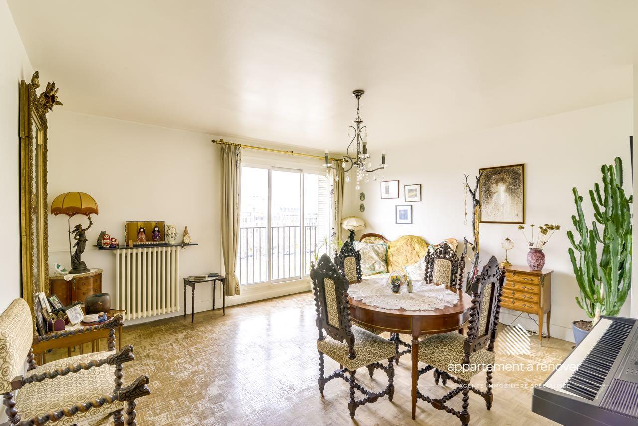 appartement 4 pi ces vue d gag e sur tour eiffel ref 199. Black Bedroom Furniture Sets. Home Design Ideas
