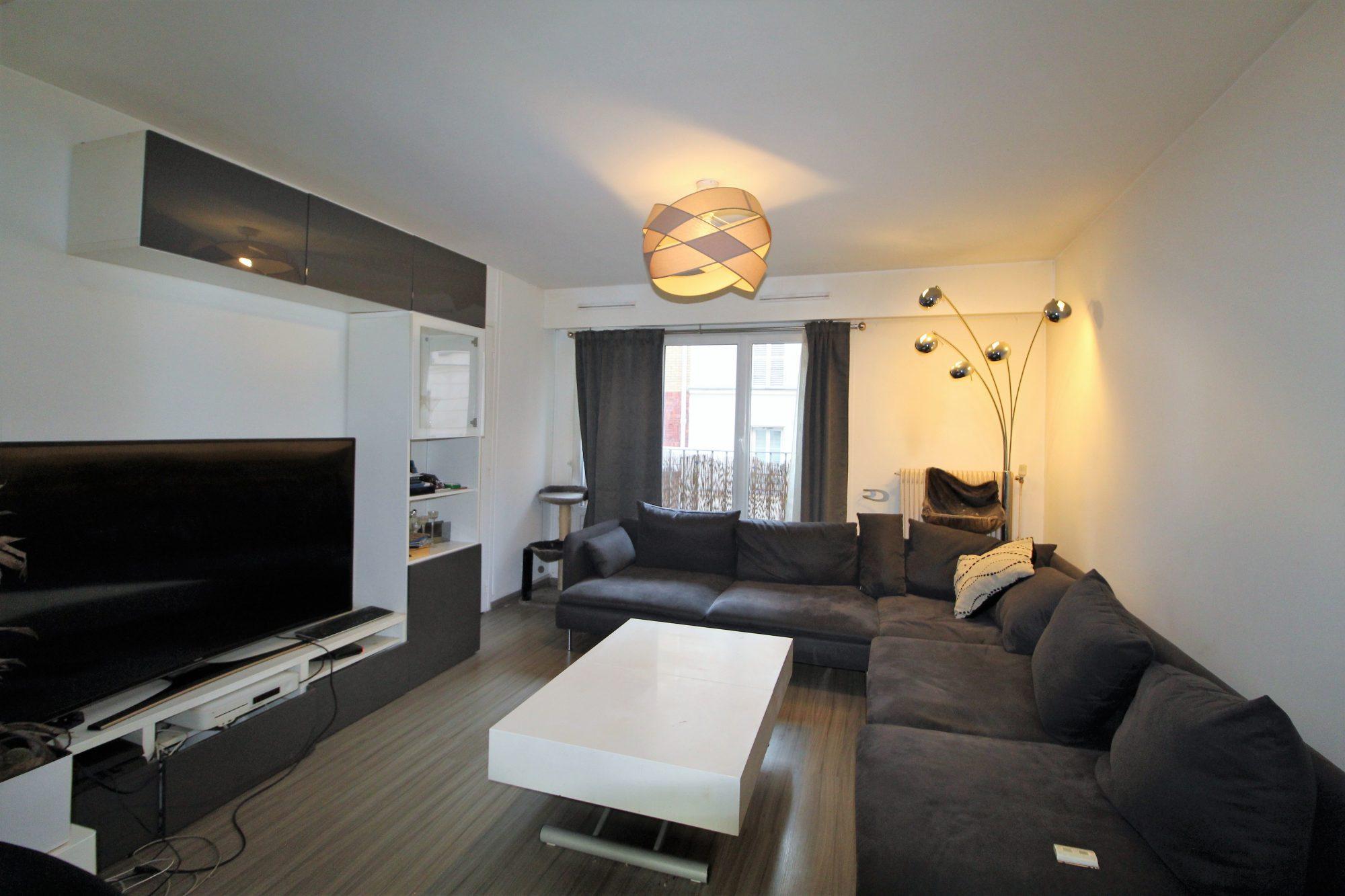 appartement vendre paris ref 704 appartement r nover. Black Bedroom Furniture Sets. Home Design Ideas
